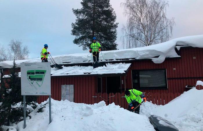 Lumenpudottajat työtehtävissä